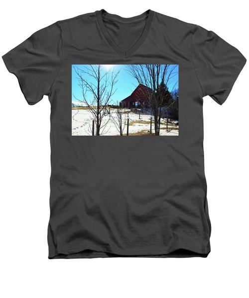 Winter Farm House Men's V-Neck T-Shirt