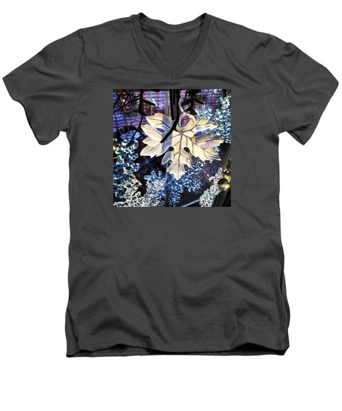 Winter Leaf Men's V-Neck T-Shirt