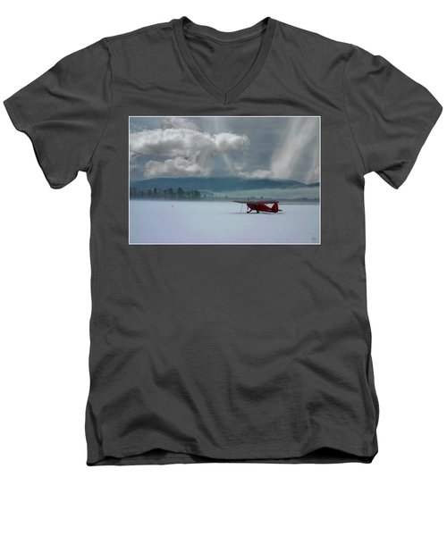 Winter Plane Men's V-Neck T-Shirt