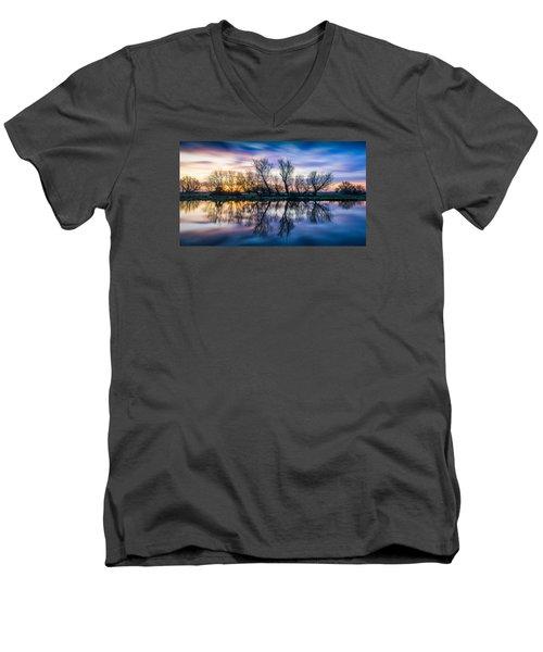 Winter Sunrise Over The Ouse Men's V-Neck T-Shirt