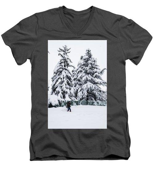 Winter Trekking Men's V-Neck T-Shirt