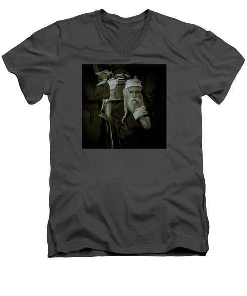 Wisdom Glance Men's V-Neck T-Shirt