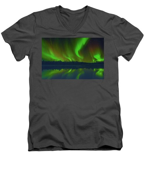 Witchy Woman Men's V-Neck T-Shirt