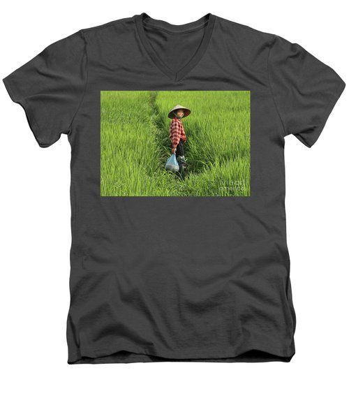 Woman Smile Rice Fields Men's V-Neck T-Shirt by Chuck Kuhn