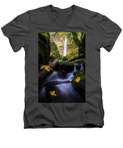 Wonderland In The Gorge Men's V-Neck T-Shirt
