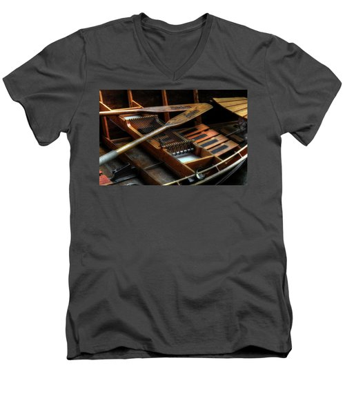 Wooden Rowboat And Oars Men's V-Neck T-Shirt