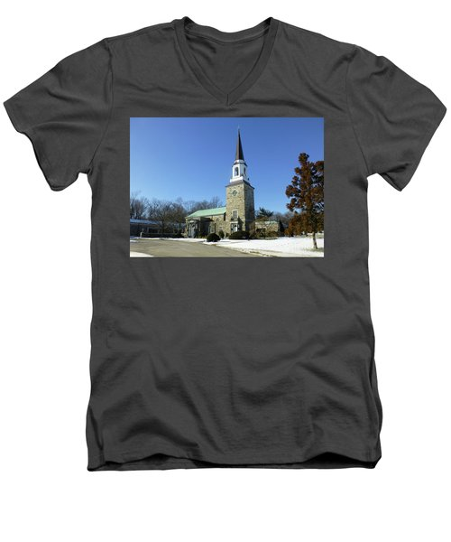 Woodlawn Cemetery Chapel Men's V-Neck T-Shirt