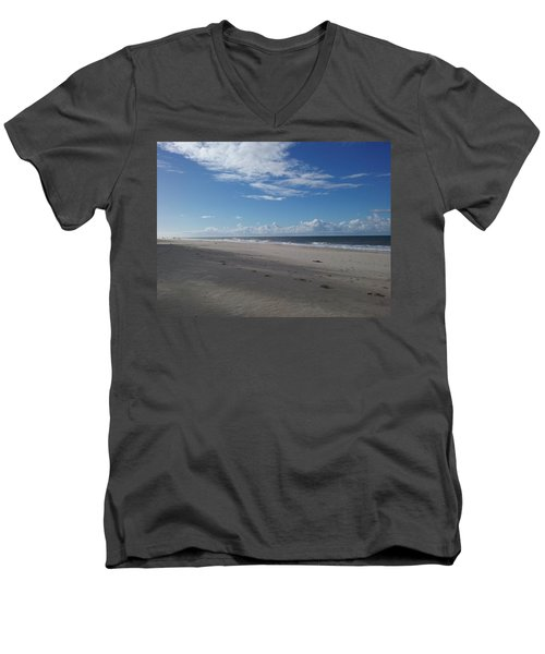 Woorim Beach Men's V-Neck T-Shirt