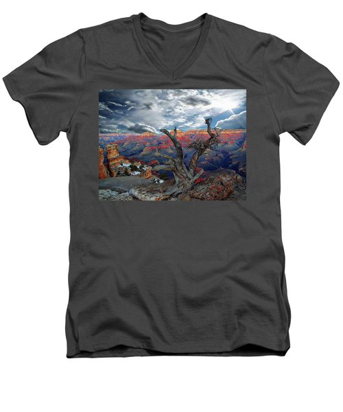 Yaki Point Grand Canyon Men's V-Neck T-Shirt