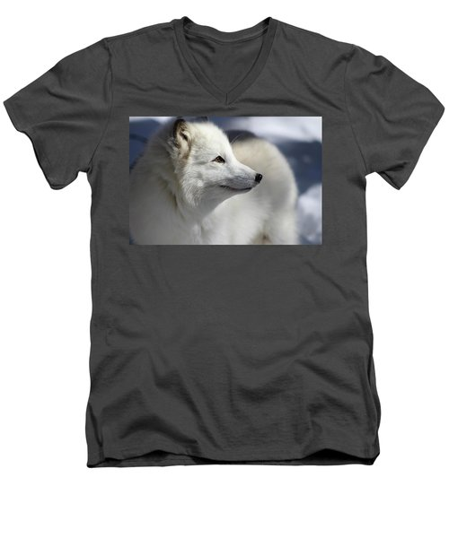 Yana The Fox Men's V-Neck T-Shirt