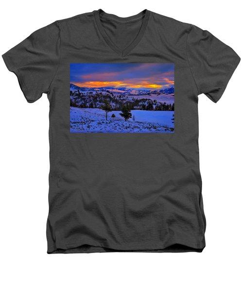 Yellowstone Winter Morning Men's V-Neck T-Shirt