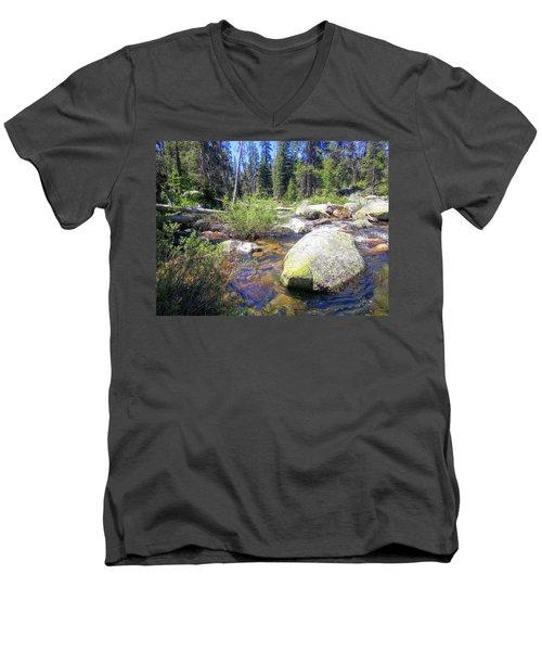 Yosemite 9 Men's V-Neck T-Shirt