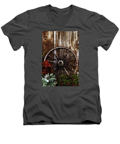 Zahrada Men's V-Neck T-Shirt