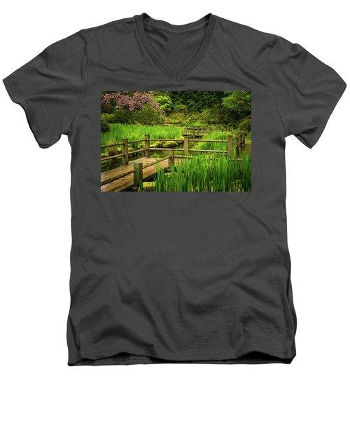 Zig Zag Bridge Men's V-Neck T-Shirt