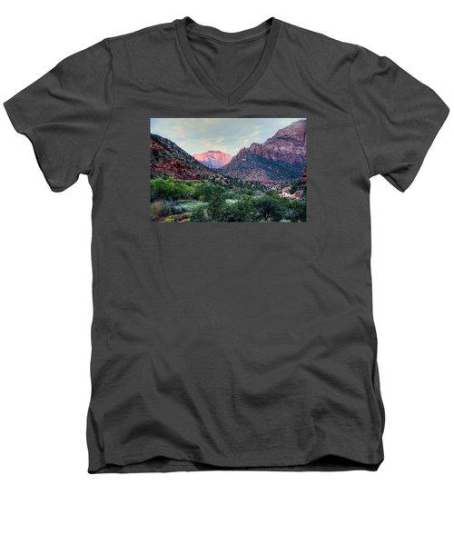 Zion National Park Men's V-Neck T-Shirt