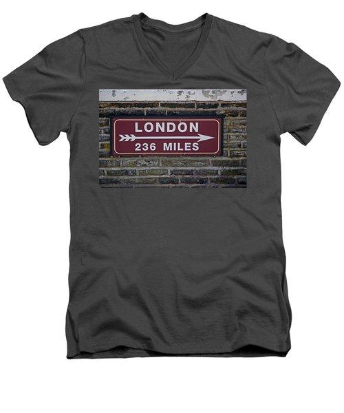 06/06/14 Settle. Station View. Destination Board. Men's V-Neck T-Shirt