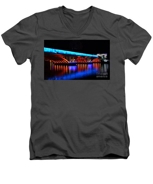 Evening View Of The Love River And Illuminated Bridge Men's V-Neck T-Shirt