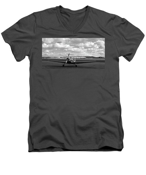 Silver Airplane Duxford England Men's V-Neck T-Shirt