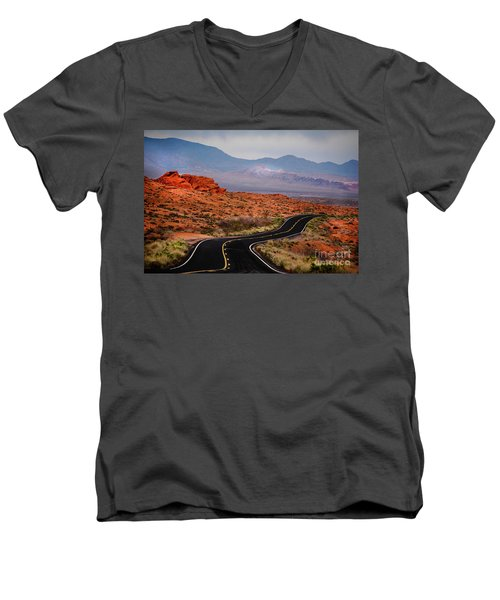 Winding Road In Valley Of Fire Men's V-Neck T-Shirt
