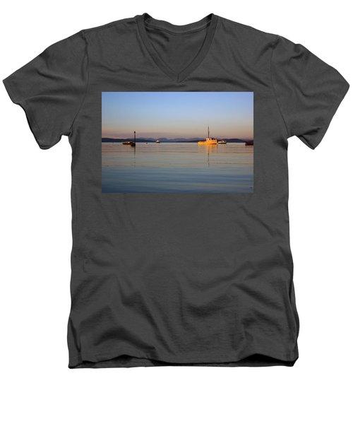 10/11/13 Morecambe. Fishing Boats Moored In The Bay. Men's V-Neck T-Shirt
