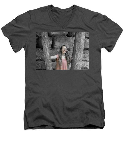 10be Men's V-Neck T-Shirt