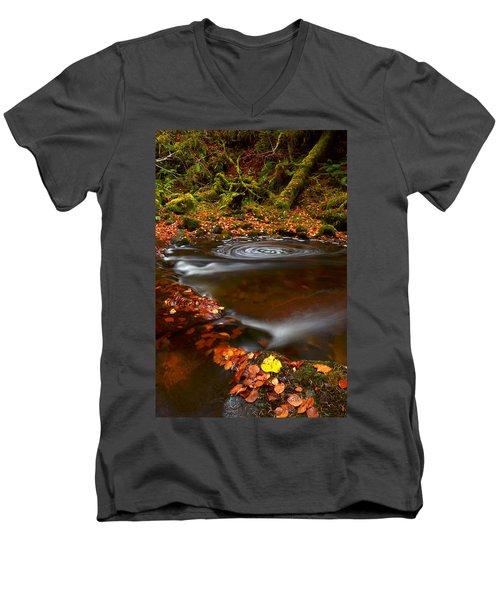 Reelig Glen Men's V-Neck T-Shirt