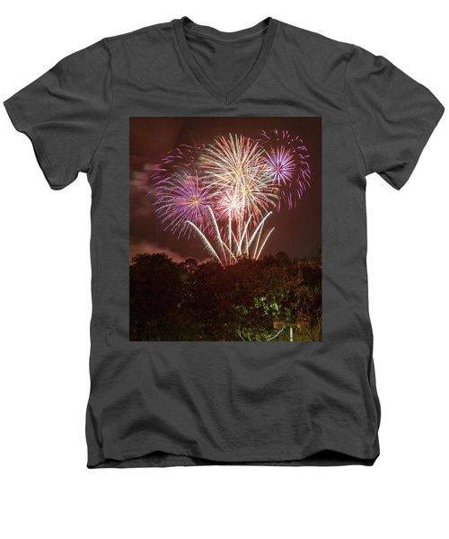 2019 Men's V-Neck T-Shirt