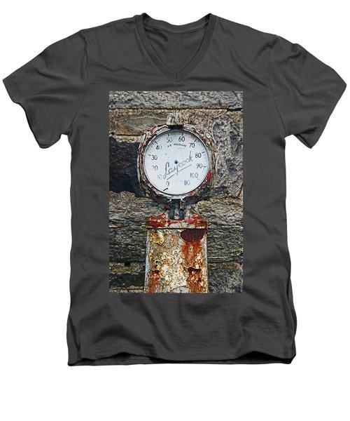 25/08/14. Lochearnhead. Old Tyre Pump. Men's V-Neck T-Shirt