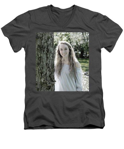 2bee Men's V-Neck T-Shirt