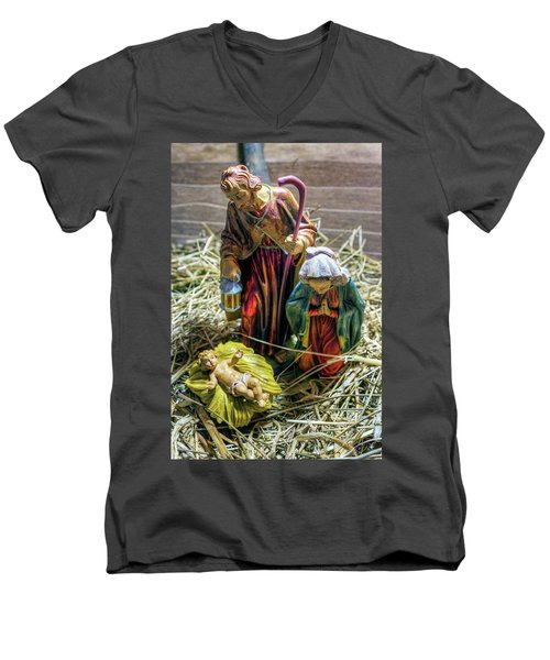 Birth Of Jesus Men's V-Neck T-Shirt