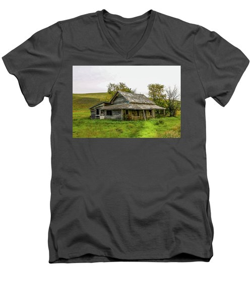 Abondened Old Farm Houese And Estates Dot The Prairie Landscape, Men's V-Neck T-Shirt