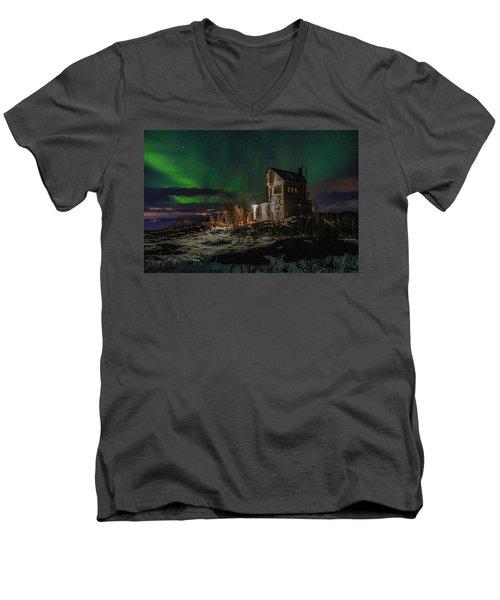 Aurora Over The Radio Station Men's V-Neck T-Shirt