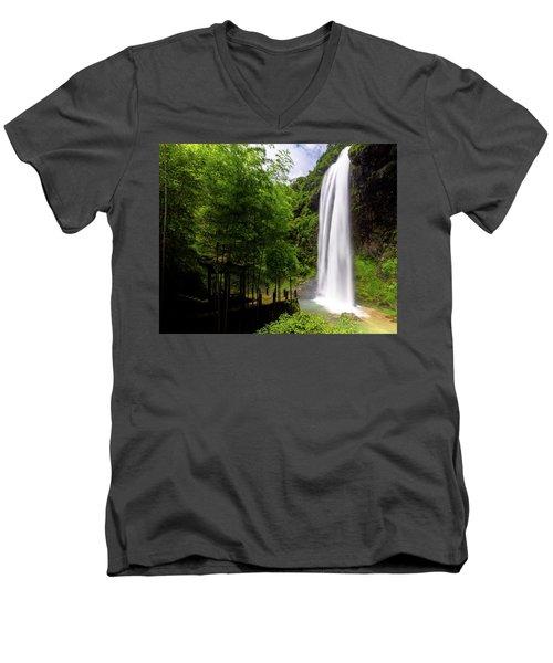 Baiyun Waterfall II Men's V-Neck T-Shirt