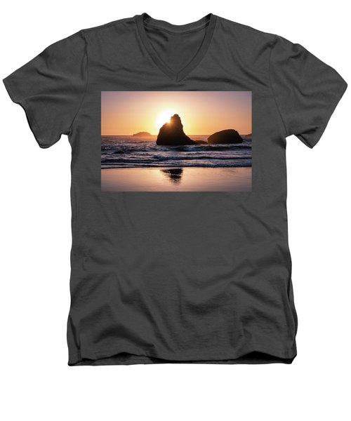 Bandon Light Men's V-Neck T-Shirt