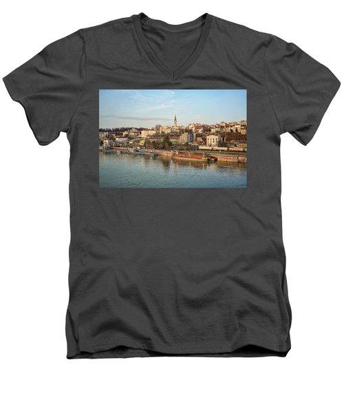 Belgrade Cityscape Men's V-Neck T-Shirt