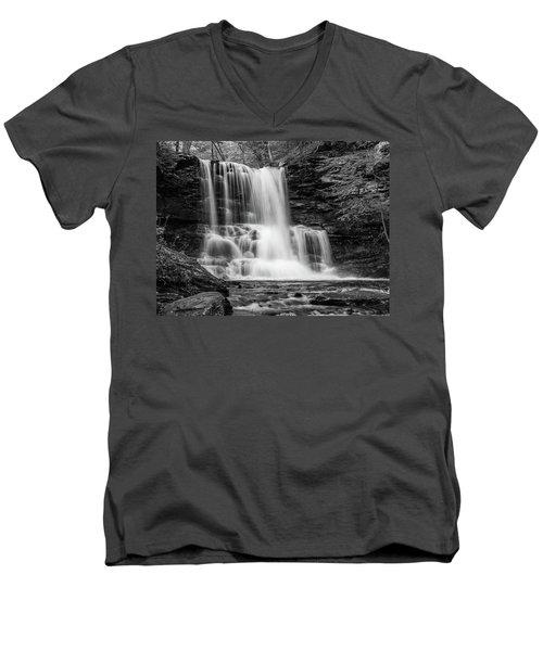 Black And White Photo Of Sheldon Reynolds Waterfalls Men's V-Neck T-Shirt