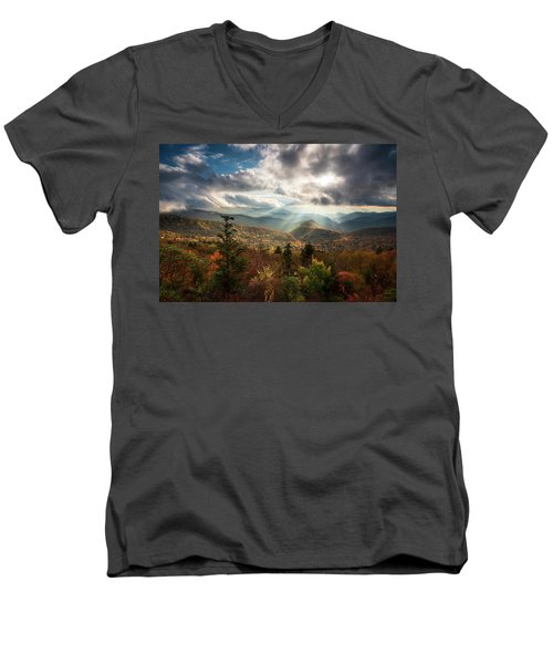 Blue Ridge Mountains Asheville Nc Scenic Autumn Landscape Photography Men's V-Neck T-Shirt