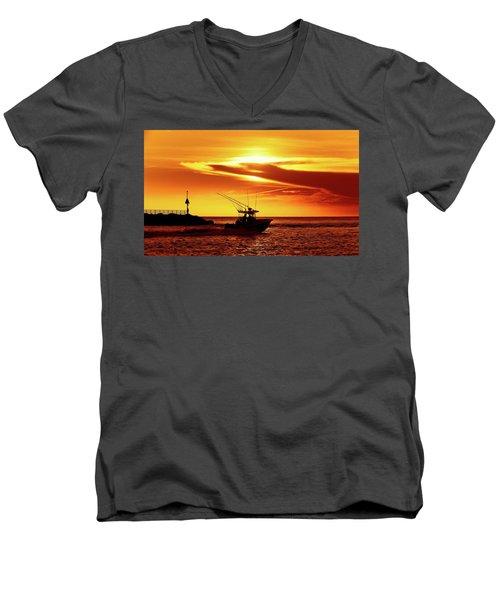 Boat Headed Out Of Jupiter Inlet Men's V-Neck T-Shirt