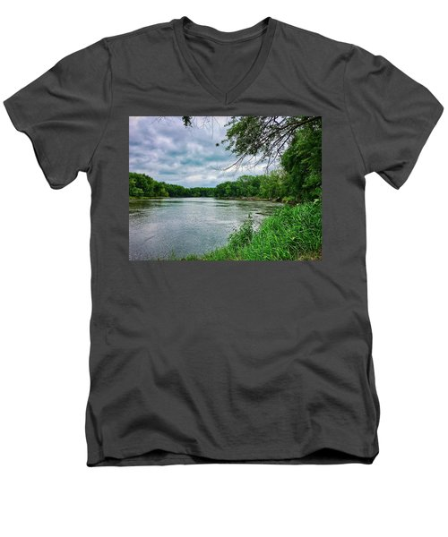 Men's V-Neck T-Shirt featuring the photograph Cedar Bend Iowa by Dan Miller