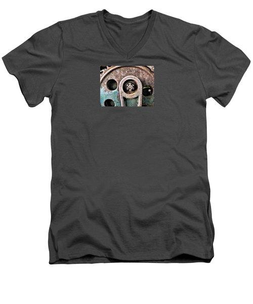 Chain Gear Men's V-Neck T-Shirt