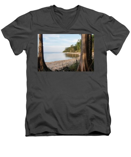 Coastal River Scene Men's V-Neck T-Shirt