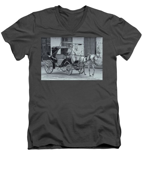 Cuban Horse Taxi Men's V-Neck T-Shirt