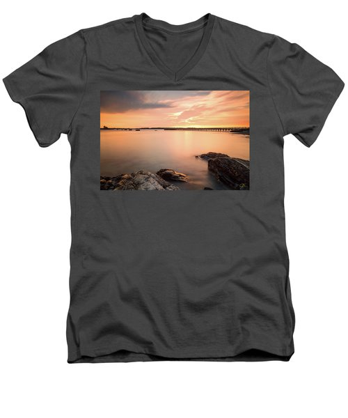 Days End Daydream  Men's V-Neck T-Shirt