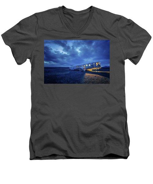 Dc-3 Plane Wreck Illuminated Night Iceland Men's V-Neck T-Shirt