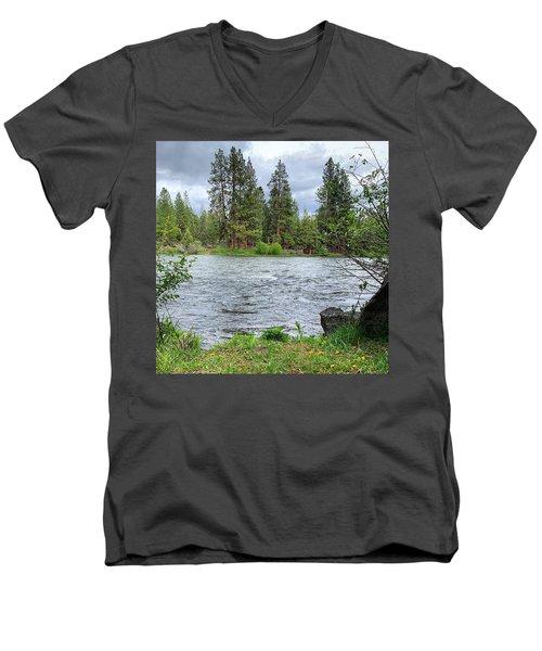 Deschutes River Men's V-Neck T-Shirt