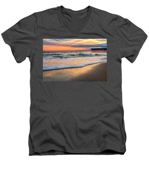 Detailed Men's V-Neck T-Shirt