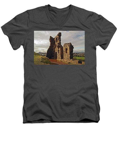 Edinburgh. St. Anthony's Chapel, Holyrood Park Men's V-Neck T-Shirt