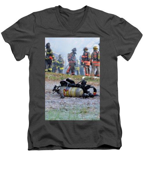 Empty Men's V-Neck T-Shirt