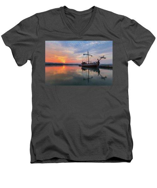 Gaul Men's V-Neck T-Shirt