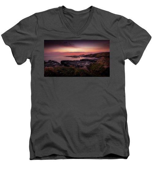 Godrevy Sunset - Cornwall Men's V-Neck T-Shirt